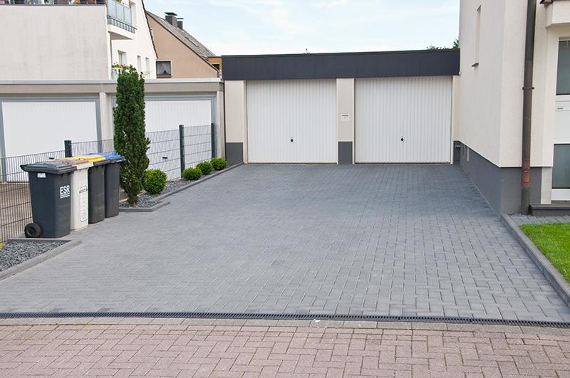 Garageneinfahrt asphalt  Ihr Gartengestalter Benjamin Stracke